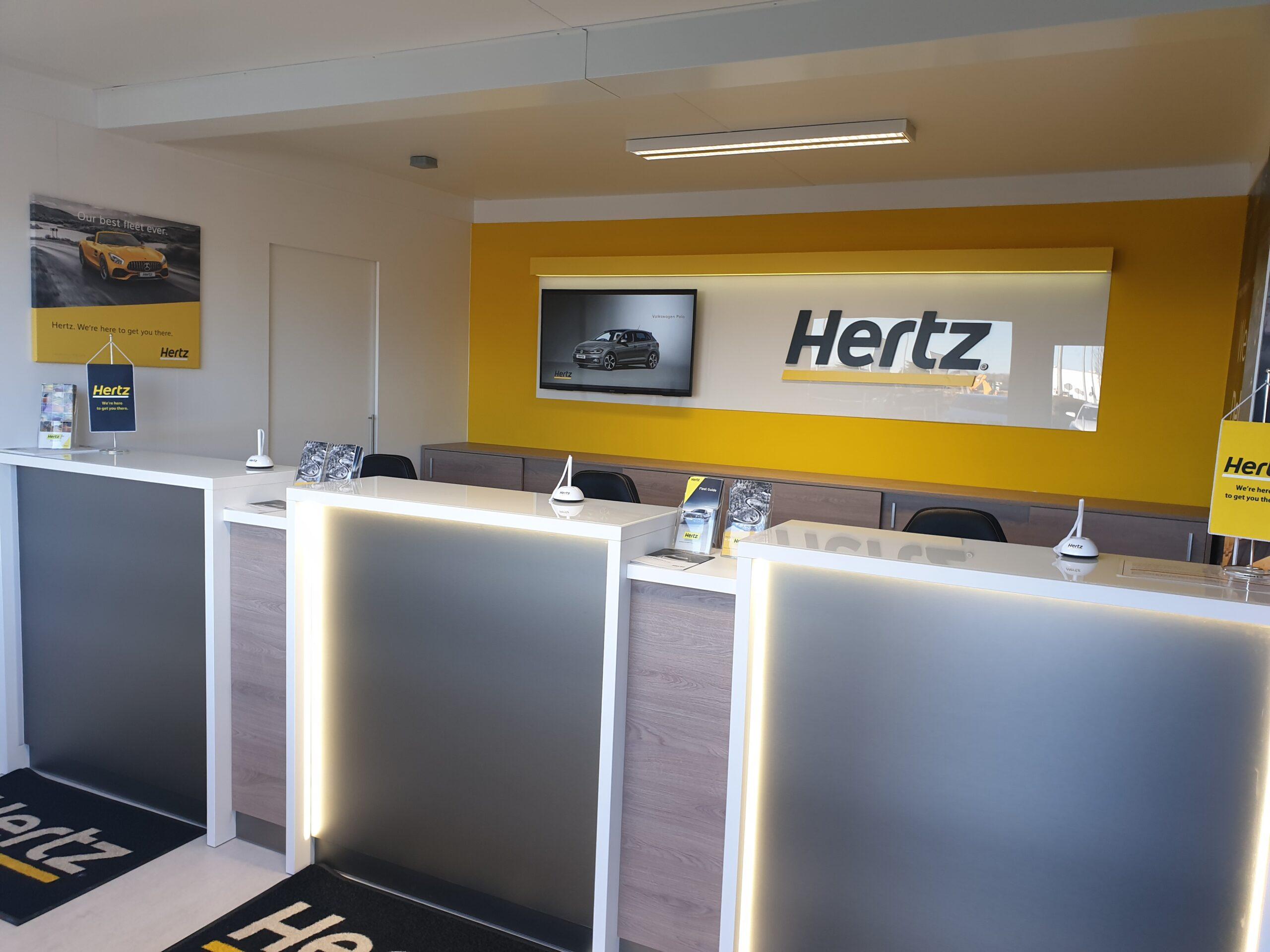 Debrecen Office / Debrecen Airport